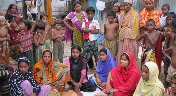 Bild från samtal mellan KappAhl och invånare i ett av slumområdena i Dhaka